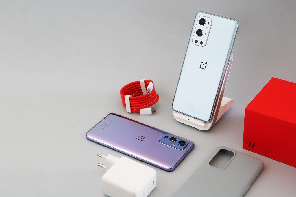 One Plus phones on display